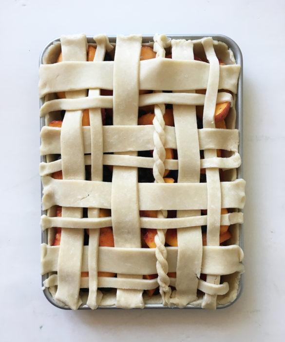 peach blueberry slab pie 1